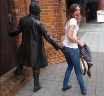 estatuas graciosas