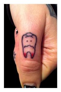 fotos de tatuaje en el dedo