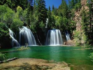 Fotos de una hermosa cascada