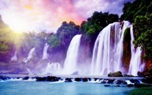 Observa las cascadas hermosas