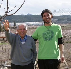 Fotos de un joven y su abuelo