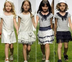 niñas luciendo vestidos de primavera-verano