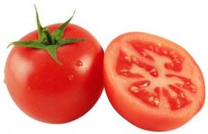 jugo de tomate para la caspa