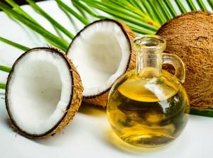 aceite de coco para eliminar la caspa