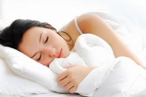 dormir suficiente para reducir ojeras